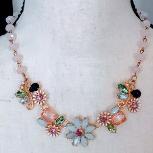 Jewelry - NEW! SPARKLING JEWELED FLORAL STATEMENT NECKLACE